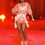 02-victoria-secret-fashion-show